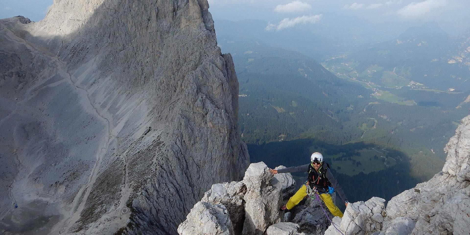 Weekly basic rock climbing course